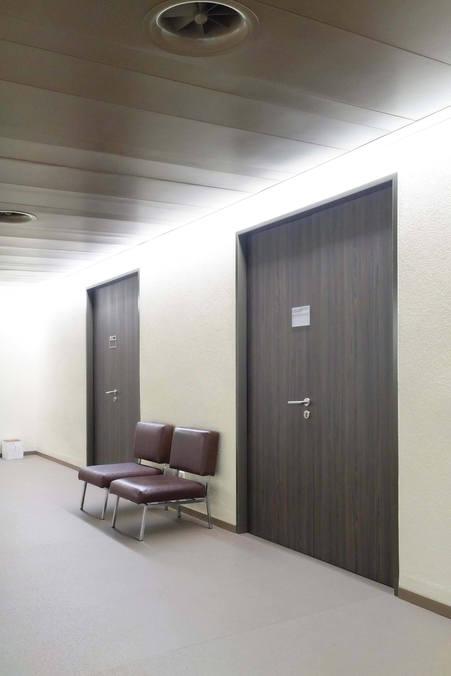 Porte EI30 Attafeu à 2 vantaux sur cadre entre-murs